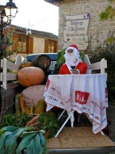 Père Noël taken in the beautiful Charentes village of Nanteuil en Vallée